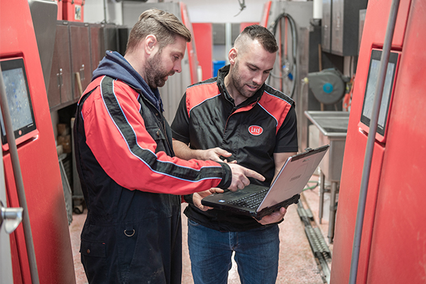 Lely Farm Management Support - Lely Astronaut A5 robotic milking system