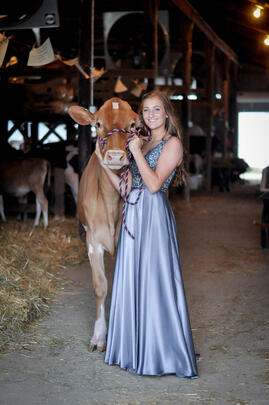 Lely Scholarship Winner Grace Howe with dairy cow