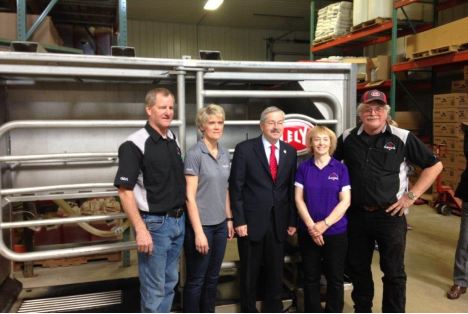 Iowa Governor Terry Branstad tours Lely facilities